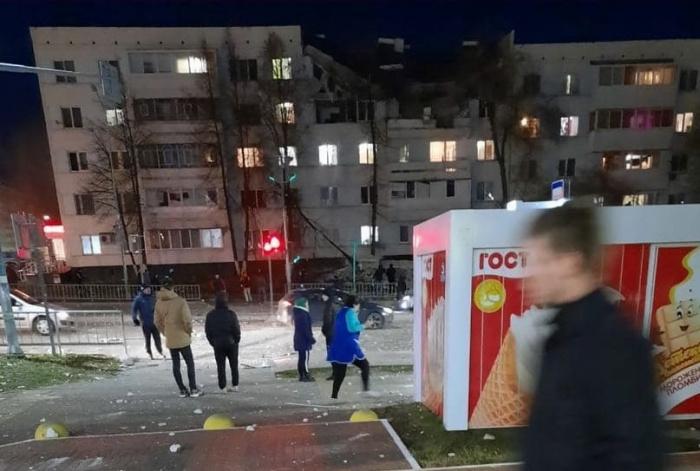 Онлайн-трансляция: в Набережных Челнах в жилом доме прогремел взрыв