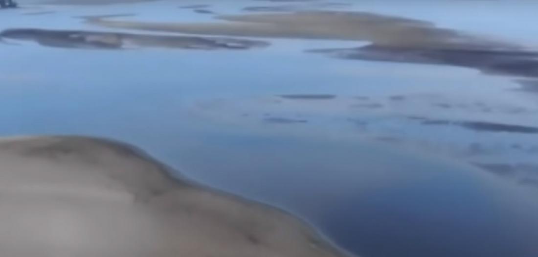 Издалека долго сопротивлялась Волга: минута молчания