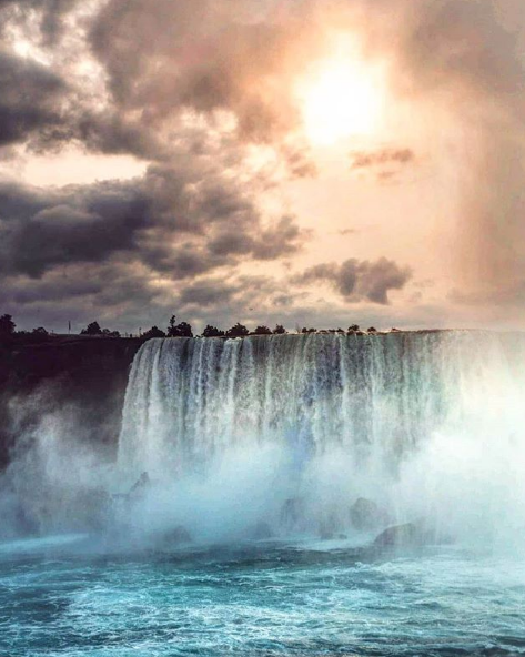 В день города Казани ниагарский водопад заиграет цветами Татарстанского флага