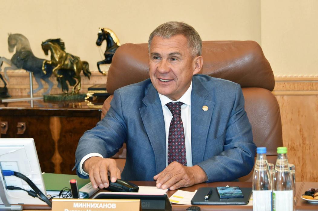 Рустам Минниханов выступил против появления праздника в честь стояния на реке Угре
