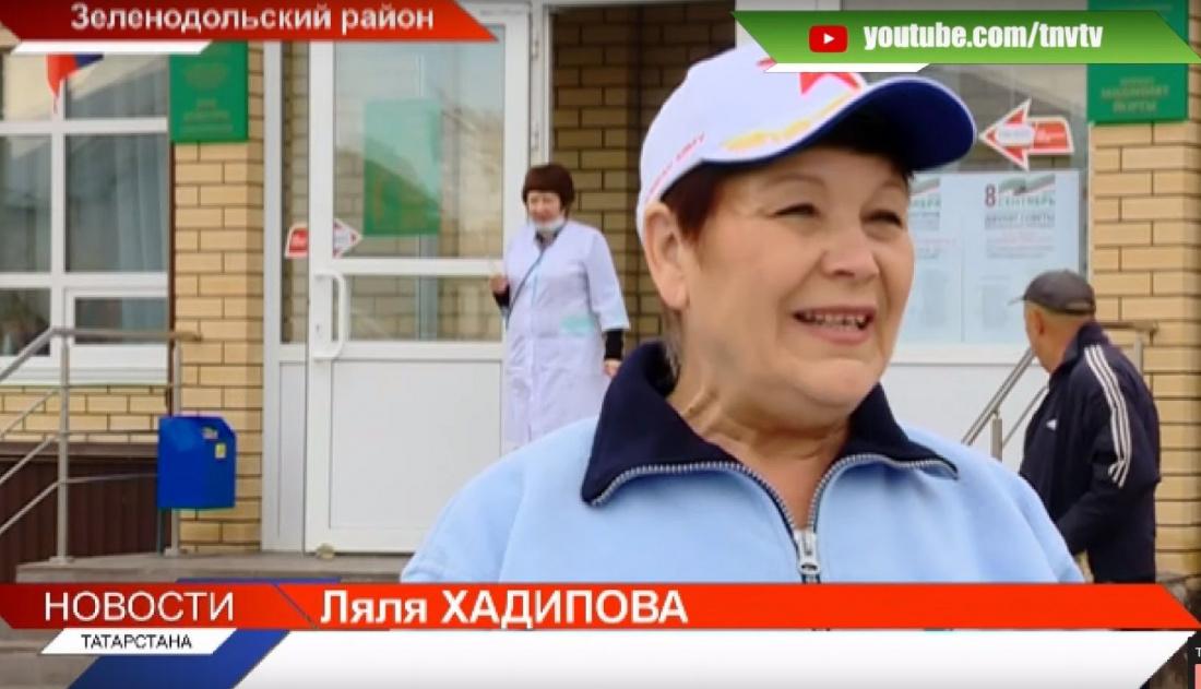 Бабушки села Нурлаты проголосовали сразу после утренней пробежки (ВИДЕО)