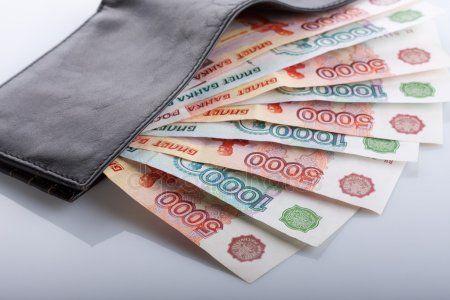 В Татарстане предприятия задолжали сотрудникам почти 50 миллионов рублей