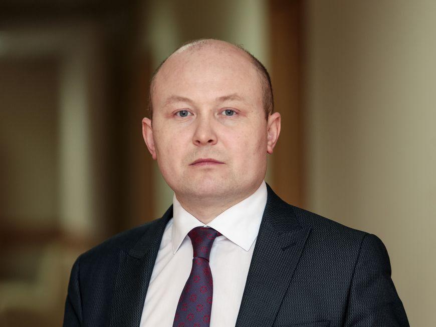 Чиновник из Казани подозревается в хищении 800 тысяч рублей при поставках металлодетекторов (ВИДЕО)