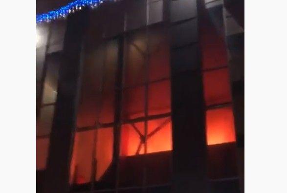 В торговом центре «Старт» в Нижнекамске произошел крупный пожар