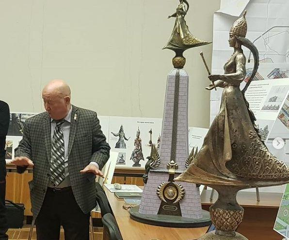 Скульптор из Казахстана презентовал скульптуру Царицы Сююмбике для столицы Татарстана