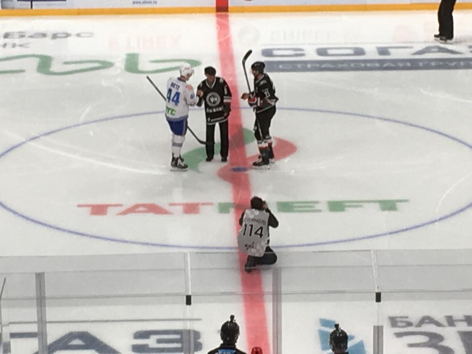 Курбан Бердыев произвёл символическое вбрасывание на игре «Ак Барса» в Казани
