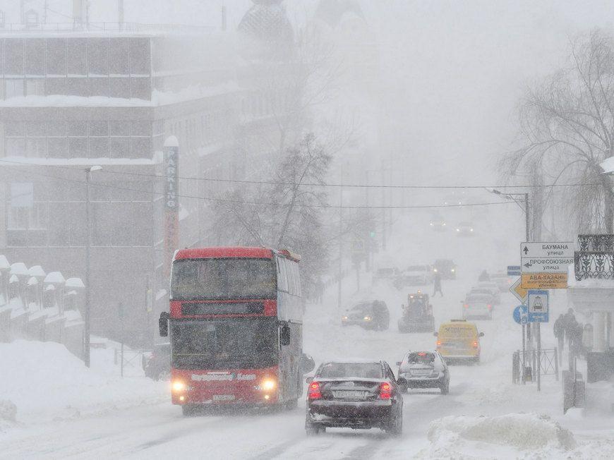 На смену урагану в Татарстан в последние дни октября придёт первая метель, мороз и гололёд (ВИДЕО)