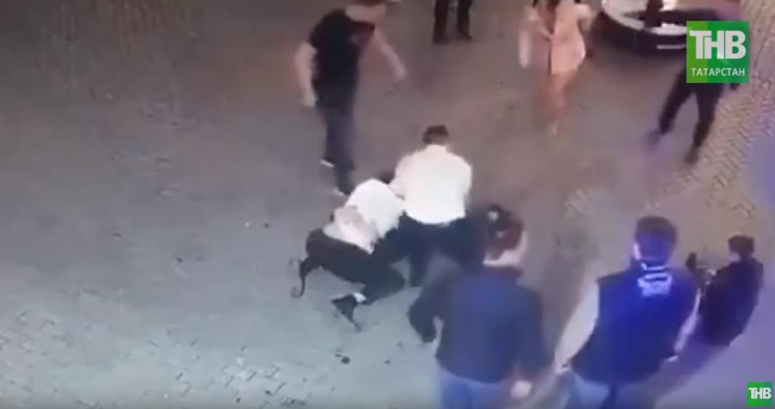 В одном из баров Казани охранники избили молодожёнов (ВИДЕО)