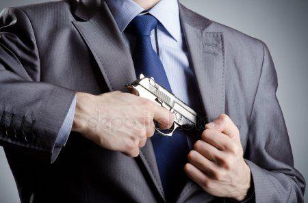 В Казани на Мавлютова произошла стрельба из газового пистолета