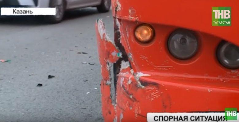 В Казани японская иномарка столкнулась с автобусом №89 (ВИДЕО)