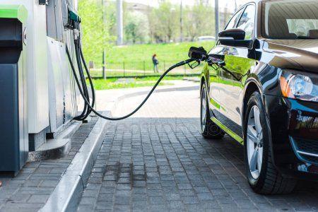 «Не доливают»: на татарстанских заправках обнаружили некачественный бензин и обман автомобилистов (ВИДЕО)