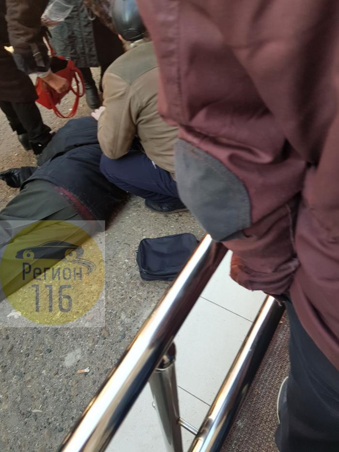 Мужчина умер в очереди за медсправкой для водительских прав в Казани
