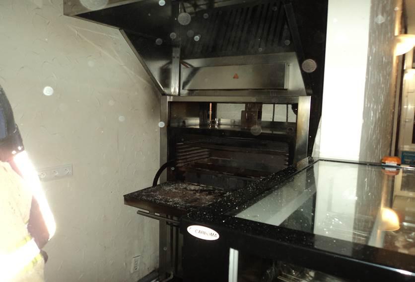 В Казани загорелось кафе из-за нарушений технологического процесса
