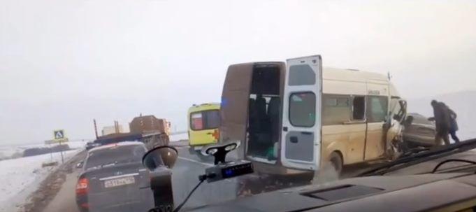 Сегодня в Татарстане произошло смертельное ДТП с участием четырех автомобилей