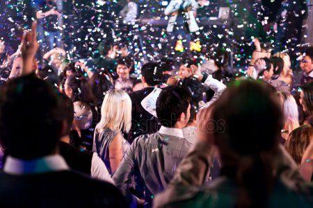 Афиша на выходные: Спектакль «Очарованный танцем»,  вечеринка UnderVolga и 33 слова о дизайне