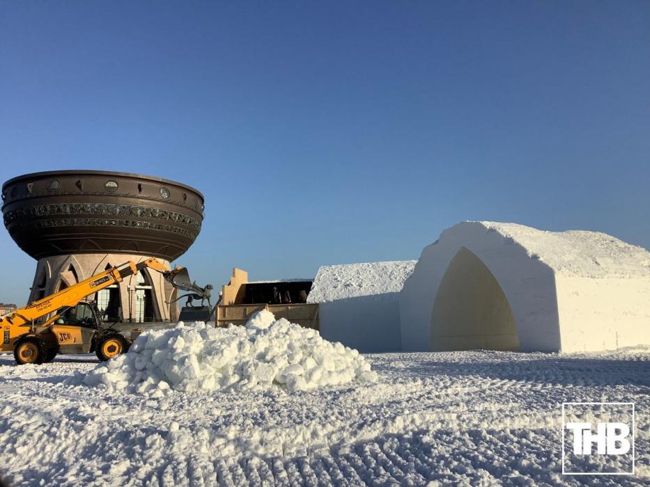 В Казани строят ледовый городок из искусственного снега (ФОТО)