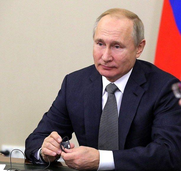 В Кремле прокомментировали подписанный Путиным закон об отечественном программном обеспечении