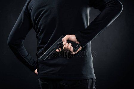 В Перми мужчина открыл стрельбу по прохожим, погибла женщина