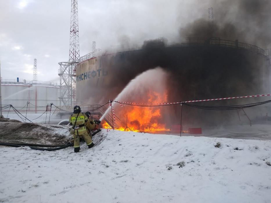 В Татарстане загорелся нефтяной резервуар (ВИДЕО)