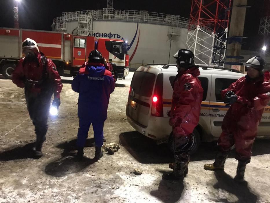 На месте пожара нефтяного резервуара в Альметьевске нашли тела двух погибших рабочих