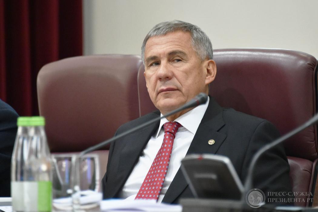 Рустам Минниханов: «Какой бы там не был федеральный ректор - мы его быстро снесем» (ВИДЕО)