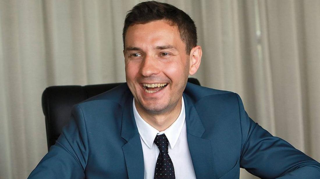 Министр спорта Татарстана смотрел футбол на смартфоне во время речи Колобкова