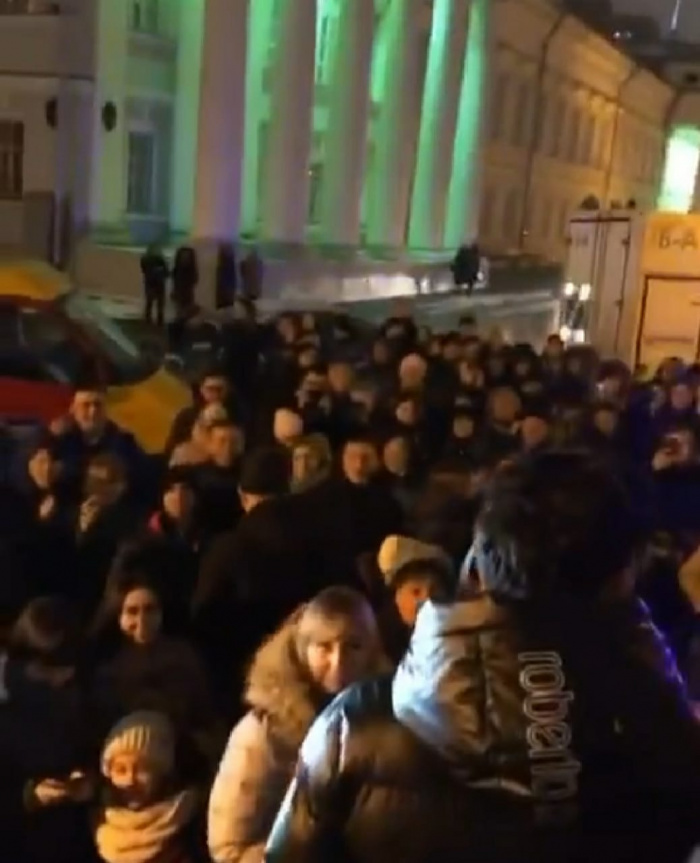 Данир Сабиров концерты вакытында УНИКСны эвакуацияләгәннәр