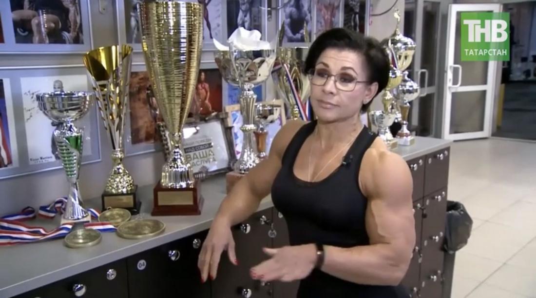 Трижды мисс Вселенная : секрет самой титулованной чемпионки по бодибилдингу (ВИДЕО)