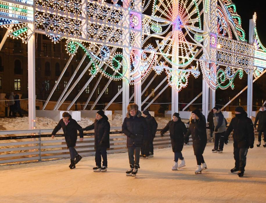 Рустам Минниханов и Ильсур Метшин покатались на коньках в парке «Черное озеро»