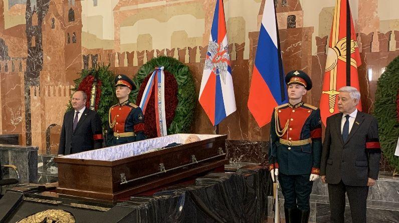 «Наш генерал»: Россия попрощалась с ветераном шести войн Махмутом Гареевым (ВИДЕО)