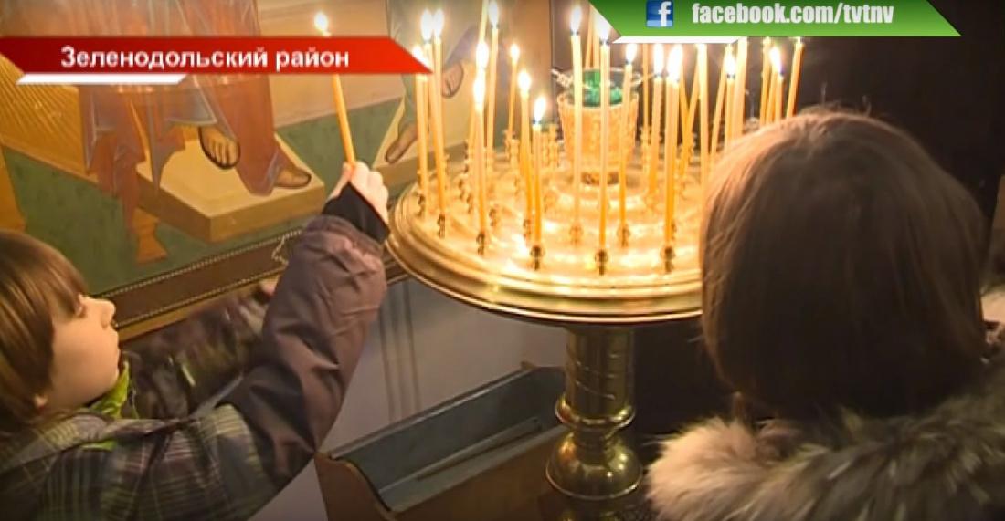 «Светлый праздник»: Православные Татарстана отмечают Рождество Христово (ВИДЕО)
