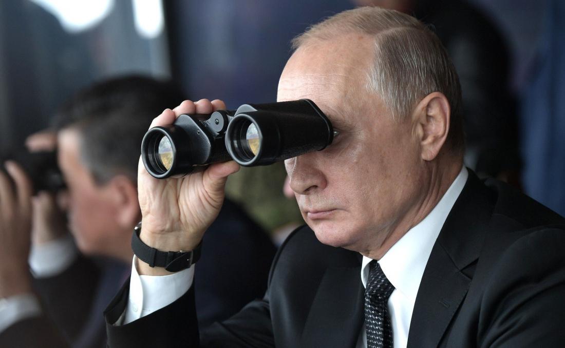 Путин наблюдал за пусками гиперзвуковых ракет «Кинжала» у берегов Крыма
