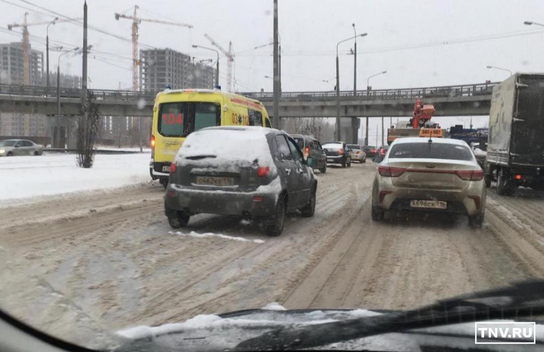 В Казань наконец пришла зима и девятибалльные пробки