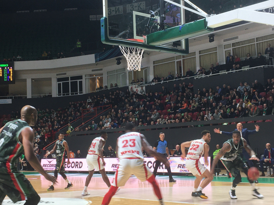 УНИКС потерпел первое поражение в Топ-16 Еврокубка