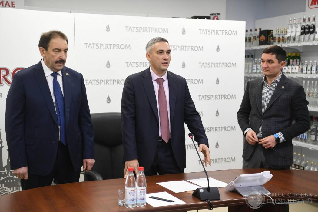 Бывший топ-менеджер «Билайна» сменил Ирека Миннахметова на посту гендиректора «Татспиртпрома» (ВИДЕО)