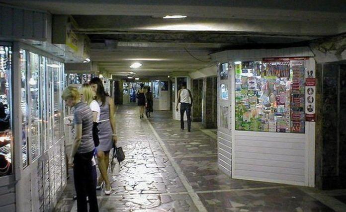 Подземный переход на площади Тукая в Казани очистят от торговых павильонов