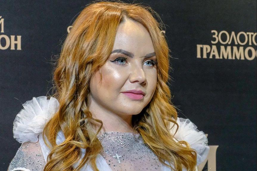 Певица МакSим прекратила выступления из-за госпитализации