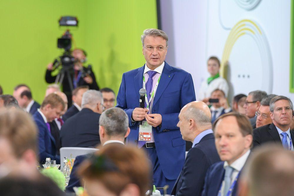 Рустам Минниханов и Герман Греф презентуют в Казани проект «Безналичный транспорт»