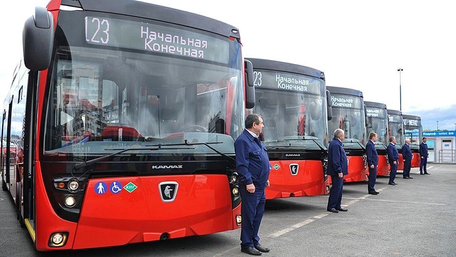 Власти Набережных Челнов вернули «КАМАЗу» 190 автобусов