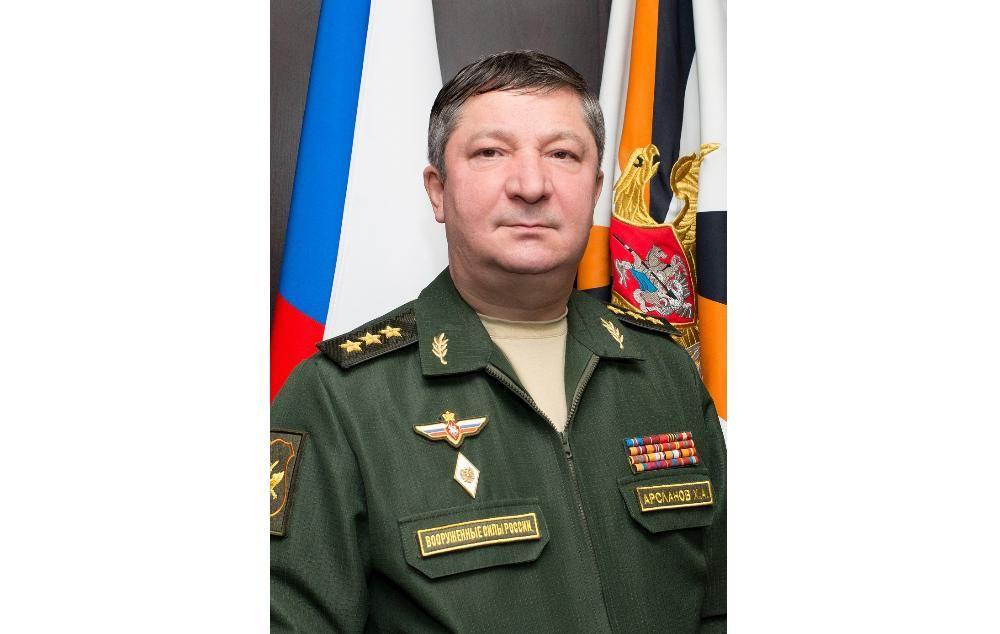 Следком попросил поместить под стражу задержанного генерала Арсланова