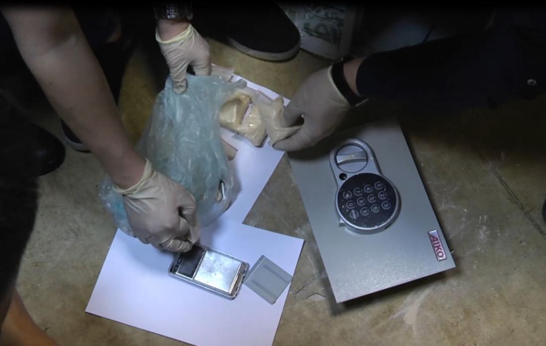 Полиция обнаружила склад наркотиков в квартире жителя Казани