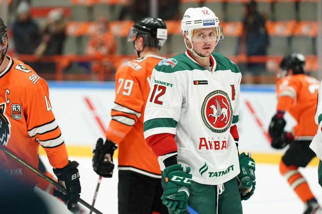 «Ак Барс» вылетел в Балашиху на матч с «Авангардом» без Глухова и Тихонова