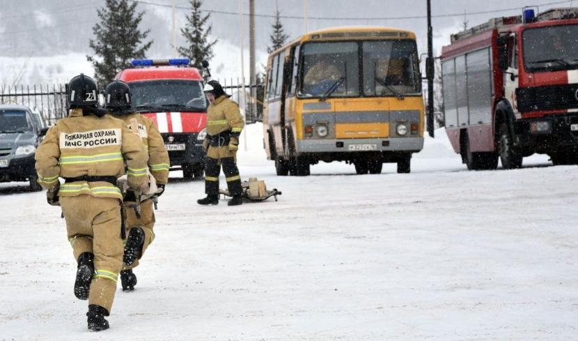 Пожарные Казани два раза за день выезжали на сообщение о возгорании школы