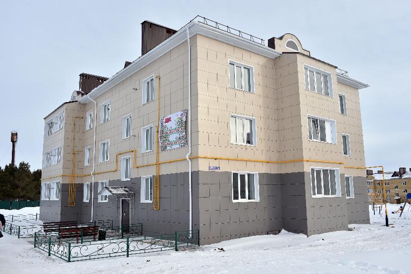 В Татарстане дети-сироты получили ключи от новых квартир