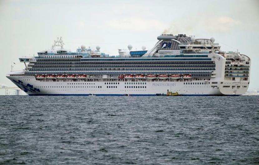 Еще один россиянин заразился коронавирусом на борту лайнера  Diamond Princess