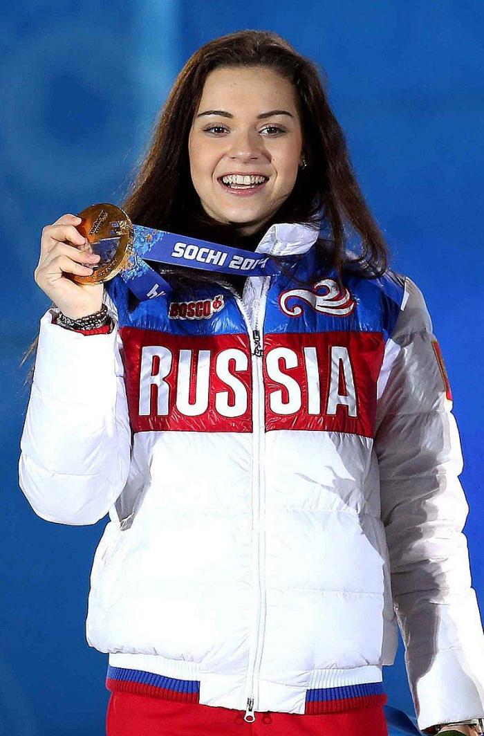 Аделина Сотникова была экстренно прооперирована в Москве