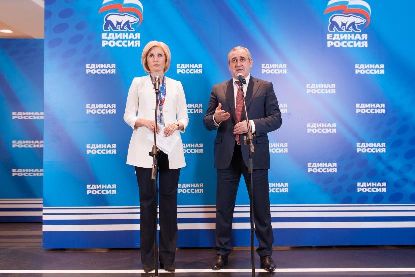 К выборам в Госдуму «Единая Россия» поменяет название и объединится с ОНФ