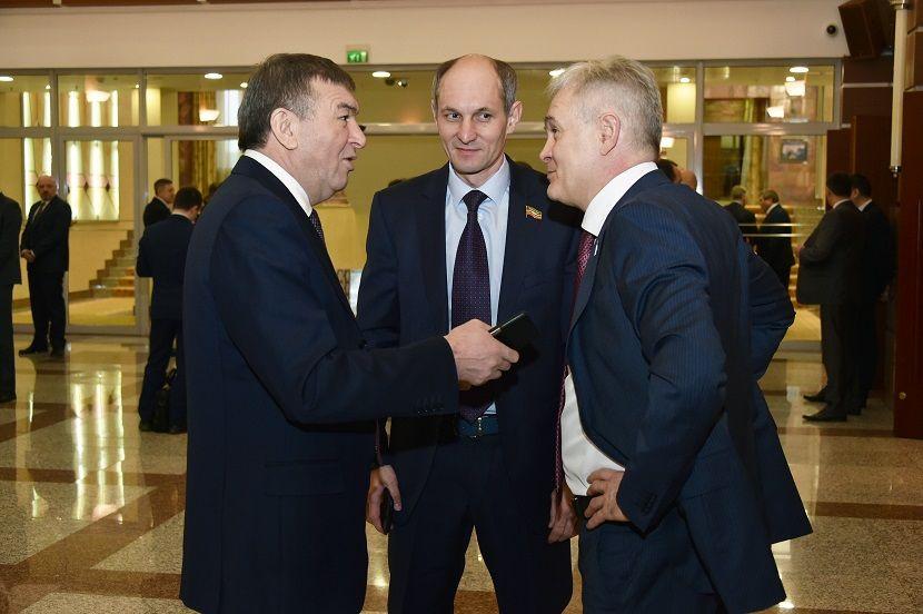 Лимит на страховку чиновников Татарстана составит 3,3 млрд рублей