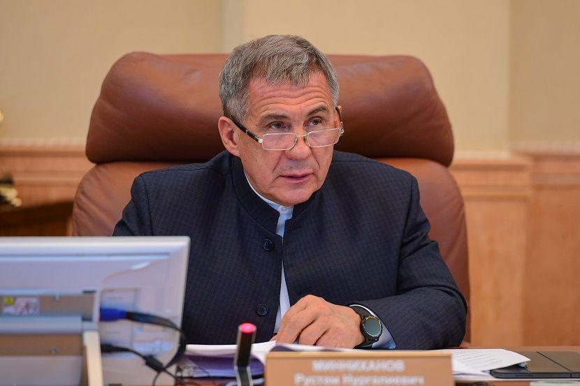 Рустам Минниханов призвал районы серьезней отнестись к закупке удобрений