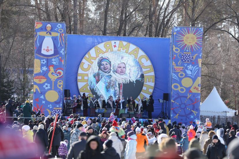 Фото: Масленицу в казанском лесопарке Лебяжье отметили 25 000 гостей